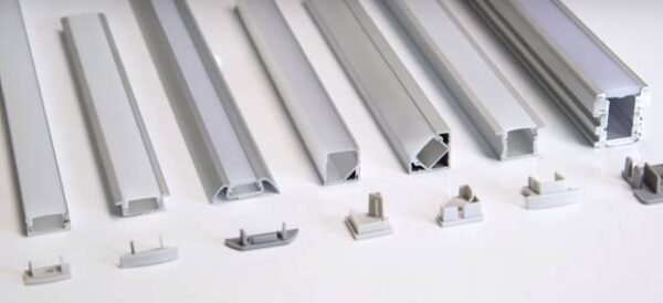Что лучше выбрать: накладной или врезной LED-профиль